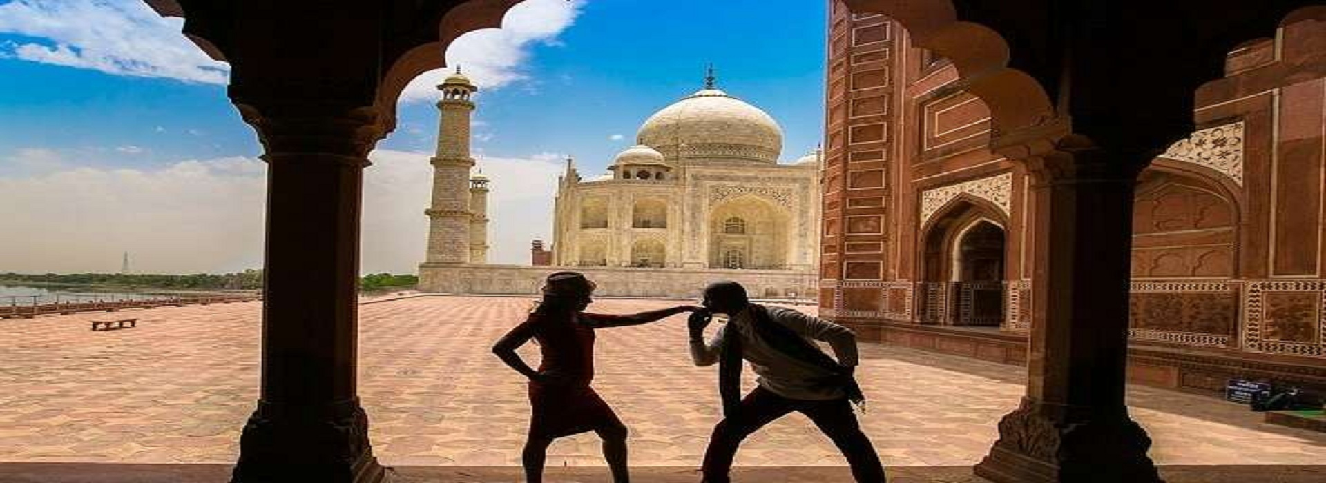 Top Romantic Places in Agra