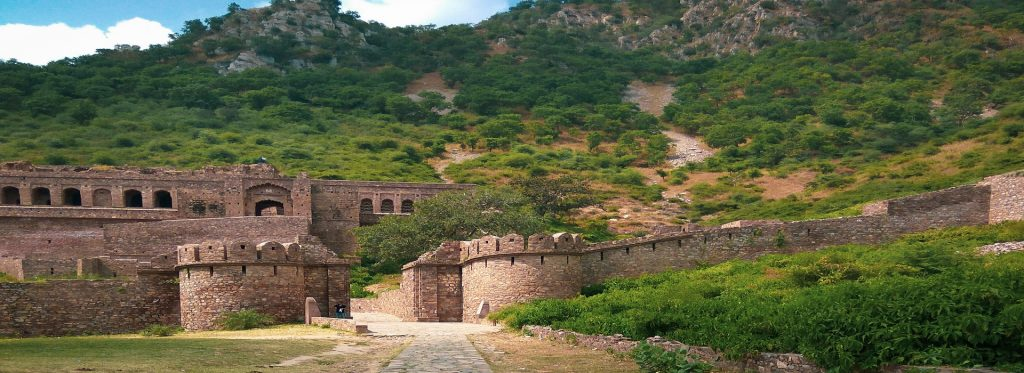 Story of Haunted Bhangarh Fort